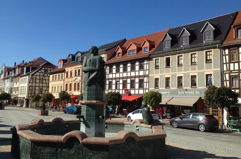 Schmoelln Markt Brunnen AOweb