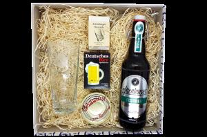 Für Feinschmecker des Bieres, die auch gern eine Partie Karten spielen stellt diese Bierbox ein schönes Geschenk dar.